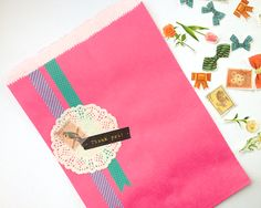 Omiyage Blogs: Dressing Up Basic Bags