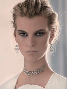 Parure, Stroili. Ph. Antonio Redaelli, stylist Elisa Nascimbene. Vogue Sposa n.125 Giugno 2013