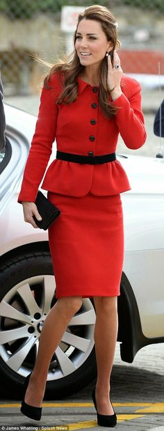 The OAK: #RoyalTour: Lady in Red