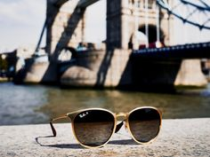 aff10b274549 Charlotte de Carle knows all the best places to shamelessly snap dope Ray-Ban  sunglasses during London Fashion Week.