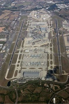 London Heathrow Intl #Airport (LHR), London, England