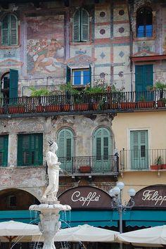 Piazza della Erbe, Verona, Italy (From the TravelBelles.com blog)