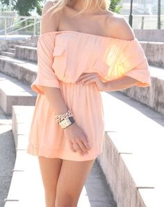 Off-the-shoulder peach dress. Foto Fashion, Fashion Beauty, Womens Fashion, Style Fashion, Fashion Design, Summer Outfits, Cute Outfits, Summer Dresses, Summer Clothes
