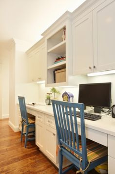 Would love something like this off of the kitchen Kids Homework Space, Kids Desk Space, Kids Study Spaces, Study Room Kids, Kids Homework Station, Homework Desk, Work Station Desk, Computer Station, Study Nook