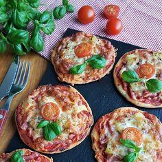 Gluteenittomat pikkupizzat | Himoleipuri 200 Calories, Gnocchi, Bruschetta, Baking, Breakfast, Ethnic Recipes, Food, Morning Coffee, Bakken