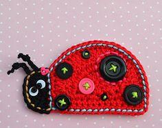 Usando este dulce apliques de bebé búho fácilmente puede adornar su ropa, mantas, bolsos... :-)  * Se trata de un patrón de ganchillo y no el acabado