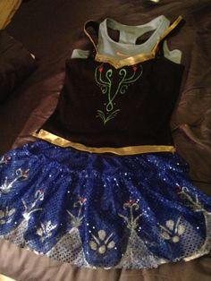 Frozen Anna outfit... Race Recap: 2013 Disney Wine & Dine Half Marathon | Why Hello Dolly!