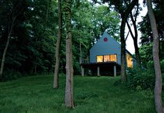 Lauren Ewing's stylish but unassuming shotgun-style house in Vincennes, Indiana, is set into a hill overlooking a field she has known since childhood. Photo by Kyoko Hamada.