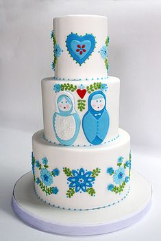 Matryoshka Nesting Doll Wedding cake. Oh my gosh! My love for matryoshka dolls on a cake!