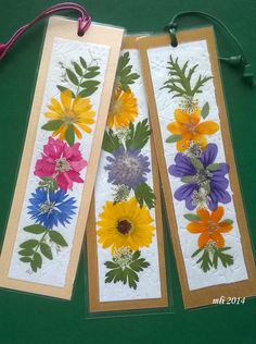 Flowers with love! Creative Bookmarks, Diy Bookmarks, How To Make Bookmarks, Dried And Pressed Flowers, Pressed Flower Art, Dried Flowers, Origami Paper Art, Paper Crafts, Diy Crafts