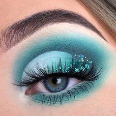 Mermaid Makeup Looks, Makeup Eye Looks, Eye Makeup Art, Fairy Makeup, Crazy Makeup, Turquoise Makeup, Teal Makeup, Aqua Eyeshadow, Eyeshadow Makeup