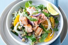Barbecued salmon with fennel, orange and chickpeas. Serve barbecued salmon with rocket, fennel and chickpeas - everyone will be asking for more! Seafood Dishes, Seafood Recipes, Cooking Recipes, Fish Recipes, Fennel Recipes, Salad Recipes, Lunch Recipes, Grilled Salmon Salad, Fennel Salad