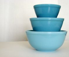 "These are the ""Bluebelle"" vintage pyrex mixing bowls although I only have the small bowl they are the most rare to find!"