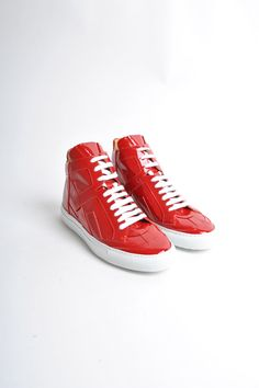 These high cut sneakers from MM6 are so cool and look fantastic with jeans or leggings. We want!