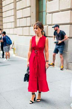 Te tenemos la mejor inspiración para lucirte con tu vestido rojo!