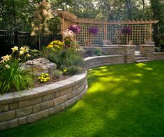 Give your yard some structure by building a basic retaining wall with these steps from Klayton Labby of Midwest Block and Brick.