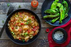 Creole shrimp rice with Padrón peppers