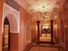 Erstellen Sie eine exotische Inneneinrichtung im marokkanischen ...