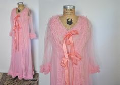BUBBLE GUM PINK lingerie set from the 1960's $46