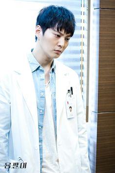 "[In-depth] ""Yong Pal"" Joo Won does the job @ HanCinema :: The Korean Movie and Drama Database"