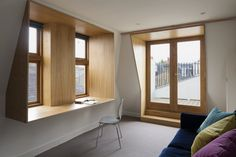 TurnerArchitects_Loubet_AdamScott_ WINDOW DESK.jpg