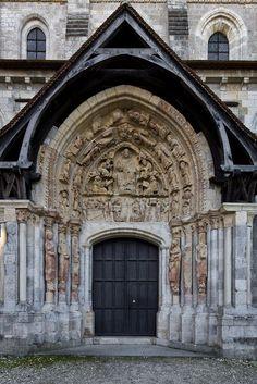 North tympanum, Basilique Saint Benoît, Saint-Benoît-sur-Loire (Loiret) Photo by Dennis Aubrey