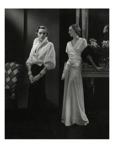 size: Premium Photographic Print: Vogue - April 1932 by Edward Steichen : Edward Steichen, 1930s Fashion, Retro Fashion, High Fashion, Vintage Fashion, London Fashion, Korean Fashion, Women's Fashion, Peter Lindbergh