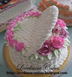 basketweave with roses butterrcream flowers by  http://loveliana-online.blogspot.com