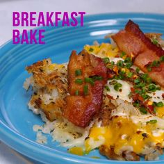 Breakfast Recipes This Breakfast Bake is everything you love about brunch on one sheet pan. Breakfast Bake, Breakfast Dishes, Hashbrown Breakfast Casserole Bacon, Yummy Breakfast Ideas, Frozen Hashbrown Recipes, Low Fat Breakfast, Breakfast Picnic, Breakfast Enchiladas, Brunch Casserole