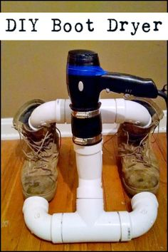 This cheap DIY boot dryer is made with PVC piping & a blowdryer. So simple! Great during a blizzard. : This cheap DIY boot dryer is made with PVC piping & a blowdryer. So simple! Great during a blizzard. Pvc Pipe Projects, Projects To Try, Man Projects, Cool Tools, Diy Tools, Boot Dryer, Materiel Camping, Diy Décoration, Inventions