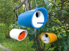 Simple PVC Birdhouse I have 33 trees on my property and tons of wild birds. Most of them live in the Pvc Projects, Garden Projects, Projects For Kids, Homemade Bird Houses, Bird Houses Diy, Bird House Plans, Bird House Kits, Birdhouse Designs, Interior Decorating Tips
