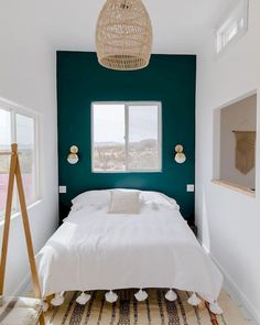 CONTEMPORARY BEDROOM DESIGN IDEAS - Find your favored bedroom images here. Browse through images of inspiring bedroom design ideas to create your excellent house. Bedroom Amazing Bedroom Design Ideas [Simple, Modern, Minimalist, Etc] Small Apartment Bedrooms, Cozy Small Bedroom Decor, Peaceful Bedroom, Small Apartment Design, Small Space Design, Dorm Rooms, Apartment Living, Mid Century Bedroom, Small Bedroom Designs