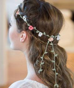 Floral Crochet Headband Pattern | AllFreeDIYWeddings.com
