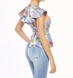 Blusa crop sisa con boleros Studio F Look Fashion, Fashion Outfits, Womens Fashion, Fashion Design, Moda Zara, Lolita Dress, Nice Tops, Shirt Blouses, Street Style