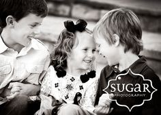 sibling love <3 Sibling Photography, People Photography, Children Photography, Photography Ideas, Family Posing, Family Portraits, Family Photos, Kids Photo Props, Sibling Photos