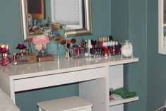 For the longest time, I had been looking for the perfect vanity. A traditional vanity. One that had the mirror attached and was large eno. Makeup Vanity Storage, Ikea Vanity, Closet Vanity, Vanity Room, Vanity Desk, Diy Vanity, Makeup Vanities, Ikea Micke, Micke Desk