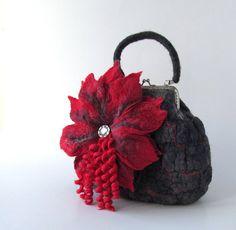 Bolso de fieltro flor roja bajo 50