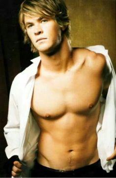 Young Chris Hemsworth shirtless