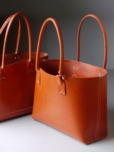 kumosha's full hand stitched leather tote bag01