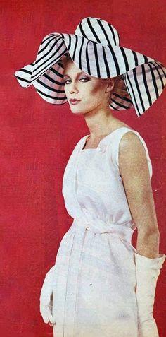 1963 Cardin .Robe de soie