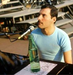 Check out Queen @ Iomoio Brian May, John Deacon, Freddie Mecury, Roger Taylor, Somebody To Love, British Rock, Queen Freddie Mercury, Queen Band, Killer Queen