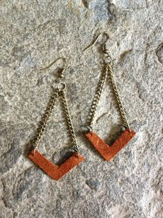 DIY Chevron earrings with upcycled leather