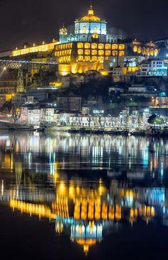 Vila Nova de Gaia (Monte da Virgem) em frente à Ribeira - Rio Douro - Porto - Portugal - f. Ana Nunes