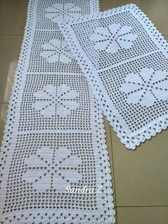 Free Patterns Archives - Beautiful Crochet Patterns and Knitting Patterns Filet Crochet, Beau Crochet, Crochet Quilt, Cotton Crochet, Hand Crochet, Crochet Lace, Crochet Table Topper, Crochet Table Runner, Crochet Tablecloth
