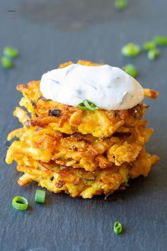Potato Latkes with Jalapeño Dill Sauce Recipe | A Spicy Perspective - #potatolatkes Stewed Potatoes, Fried Potatoes, Easy Dinner Recipes, Easy Meals, Delicious Recipes, Potato Latkes, Dill Sauce, Vegetarian Snacks, Lunch Snacks