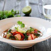 KJØLESKAPSGRØT MED YOGHURT OG BÆR | TRINES MATBLOGG Thai Red Curry, Meat, Chicken, Ethnic Recipes, Food, Red Peppers, Essen, Meals, Yemek