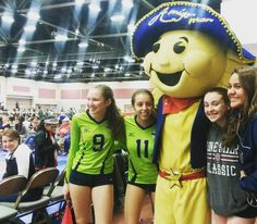 Havin' a blast with all of my amigas at the Sun Country Volleyball Tournament!  #AmigoManEP #ItsAllGoodEP #Volleyball