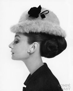big back updo (& a fluffy perching hat, if you so wish!)