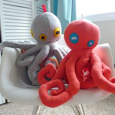Stuffed octopus from one yard of fabric