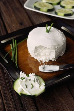 """How to Make Dairy-Free Cultured """"Cream Cheese"""" - Fermented foods are all the rage, I'll try this when I'm in the mood for an easy experiment."""